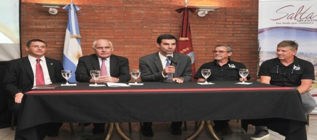 El Gobernador Urtubey junto a los organizadores