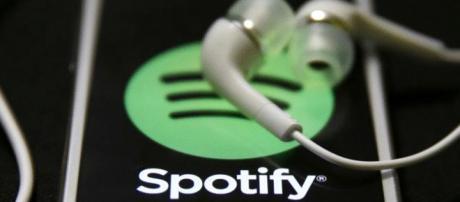 O Spotify disponibiliza milhões de músicas.