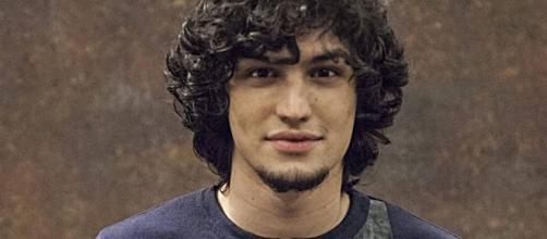 Gabriel Leone viveu Gui em 'Verdades Secretas'