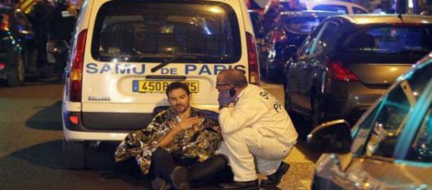 Atentados em paris deixa 2 brasileiros feridos