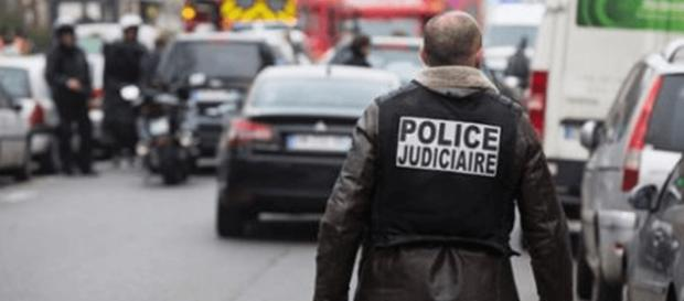 Attentati multipli a Parigi: coprifuoco