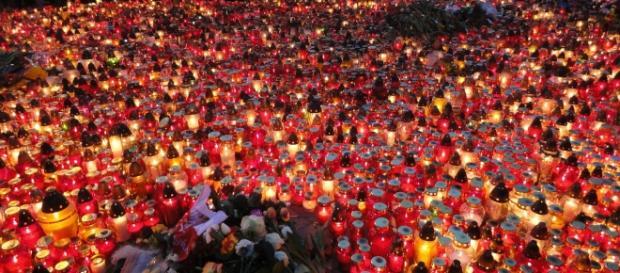 Dziś świeczki palą się dla uczczenia Paryżan.