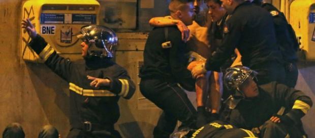 O terror está invadindo Paris.