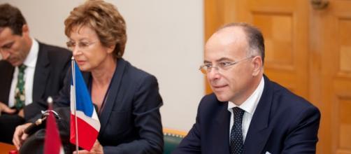 """Cazeneuve cree """"urgente"""" actuar y tomar medidas"""
