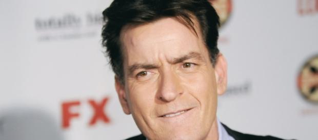 Charlie Sheen podría tener Sida