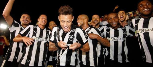Equipe busca o título. (foto: Vitor Silva/SSPress)