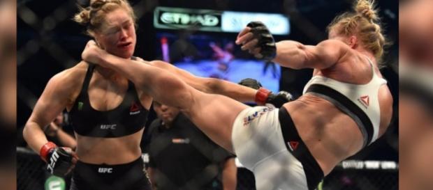 Holly Holm vence Ronda pelo UFC