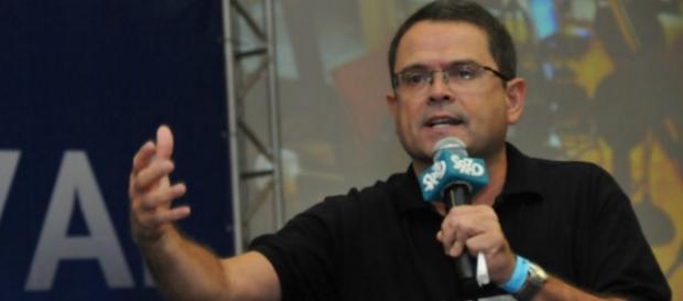 Jornalista da Globo defende governo e é demitido