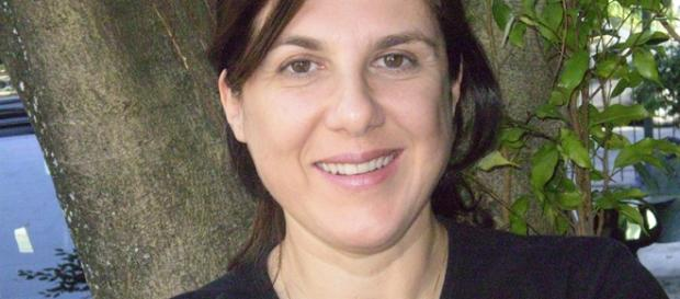 Maria Helena Nascimento escreve 'Sonha Comigo'