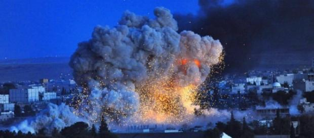 Raqqa bombardeada por orden de Hollande