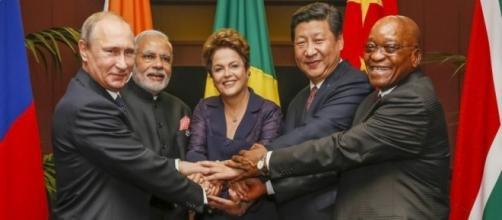 Líderes do BRICS reunidos após reunião