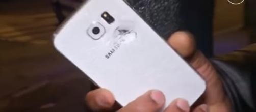 Teléfono que salvó la vida a un usuario francés!
