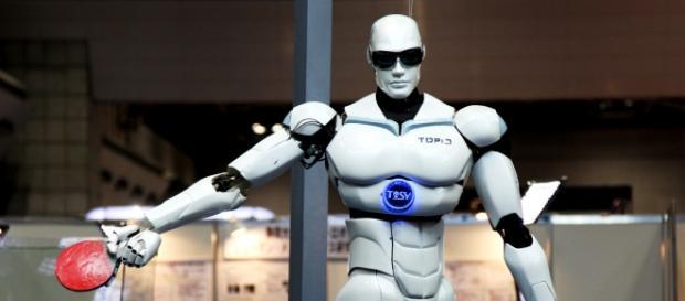 Robot TOPIO, empieza la 4.ª Revolución Industrial