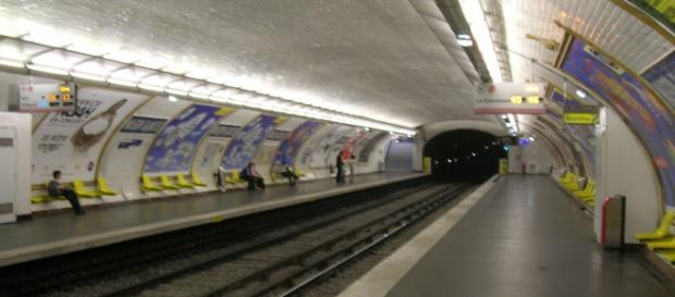 Metropolitana di Parigi. Maison Blanche.