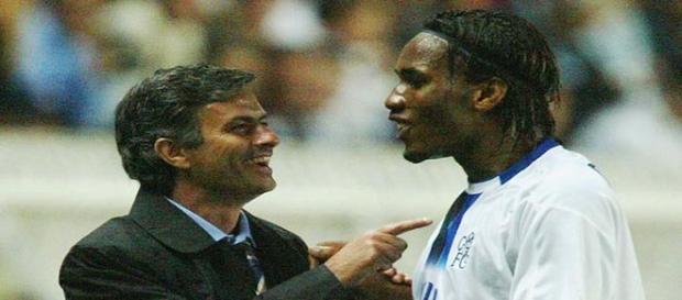 Mourinho y Drogba, en un partido con el Chelsea