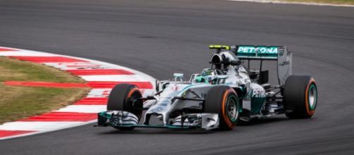 Rosberg e Mercedes, rapporti sempre più tesi