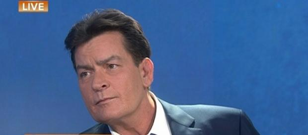 Charlie Sheen assume ser soropositivo na NBC
