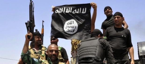 Ecco chi finanzia l'economia di guerra dell'Isis