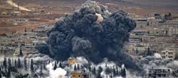 França e Russia atacam norte da Síria