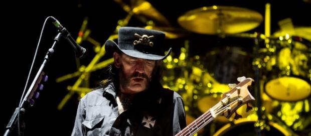 O Motörhead é uma das bandas que tocariam em Paris