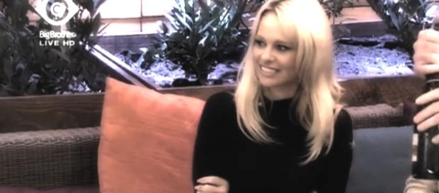 Pamela Anderson zu Gast bei Big Brother.