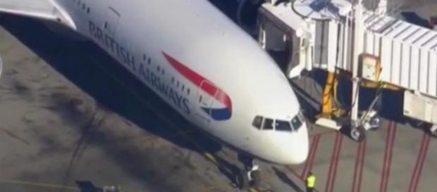 Voo BA213 após a aterragem no aeroporto de Logan.