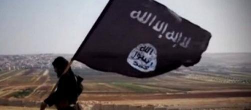 Blitz della polizia francese contro l'Isis
