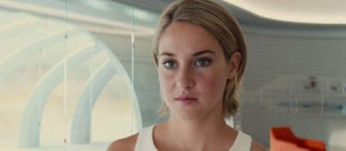Shailene Woodley plays Tris for the last time.