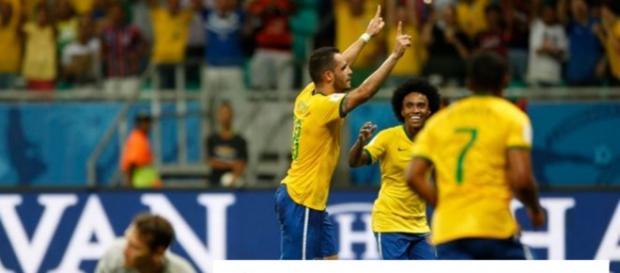 Brasil vence o Peru por 3x0 e internautas comentam