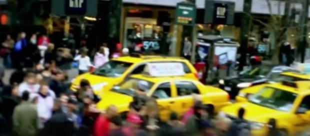 Trecho do vídeo mostra a Times Square como alvo.