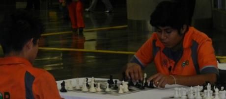 Conviven con el ajedrez usuarios y trabajadores