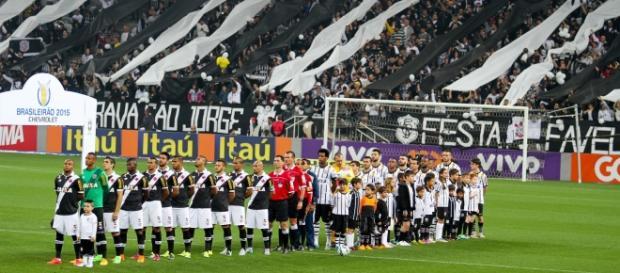 Corinthians x Vasco se enfrentam ao vivo hoje