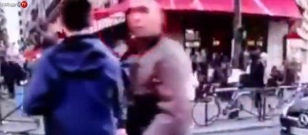 Salah tra la folla di Parigi la sera del 13/11/