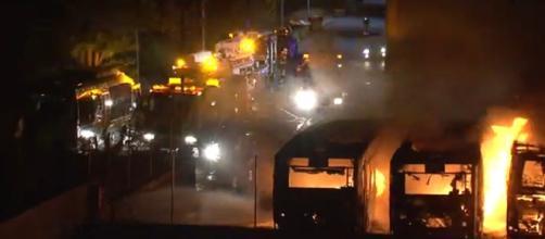 captura de pantalla los buses incendiados