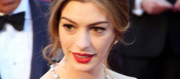 Anne Hathaway se une a 'The Modern Ocean'