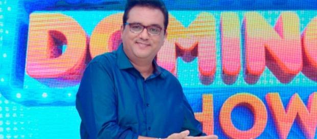 'Domingo Show' fica na frente da Globo por 2 horas