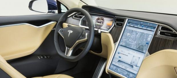 Painel futurista do Tesla S P90D