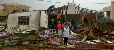 Tornado em Chapecó causa destruição