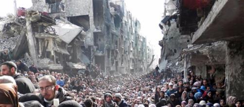 Cresce pressão para proibir entrada de refugiados