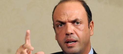 Il ministro Alfano minacciato dalla mafia