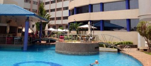 Zona de piscina del Hotel Radisson Blu de Bamako