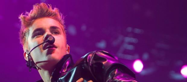 "Justin Bieber na ""Believe Tour"" em Istambul."