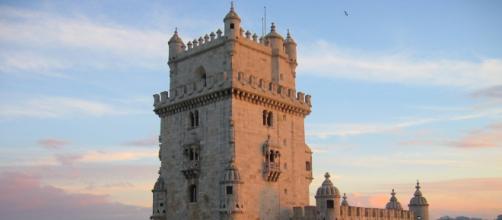 A Universidade Nova de Lisboa oferece bolsa