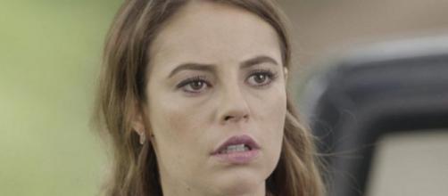 Melissa (Paolla Oliveira) inventa gravidez