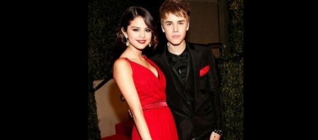 Justin e Selena juntos no AMA 2015