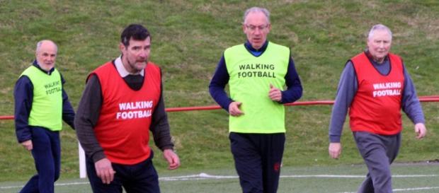 Partita di walking football (calcio camminato)