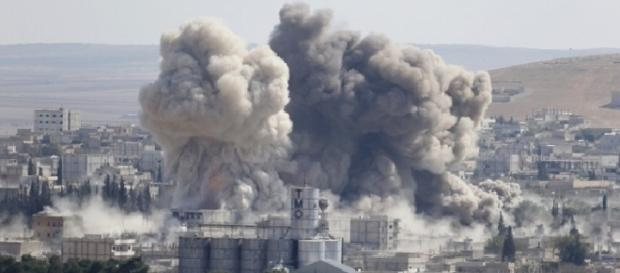 Rusia atacă poziții militare ale Statului Islamic