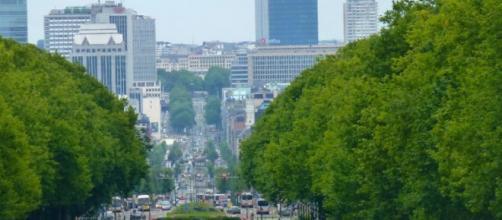 Bruxelles, Molenbeek, Salah ancora in fuga