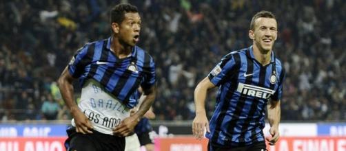 Guarin esulta dopo il gol contro il Milan