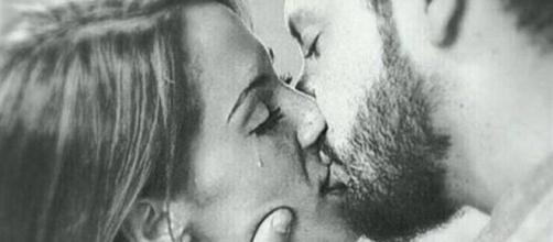 Susana y Manu besándose tras MYHYV